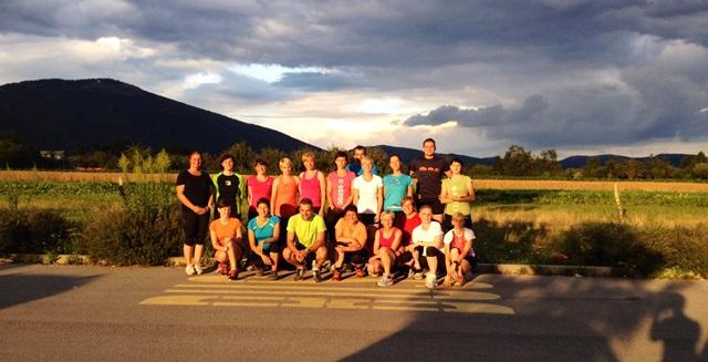 Udeleženci tekaške vadbe