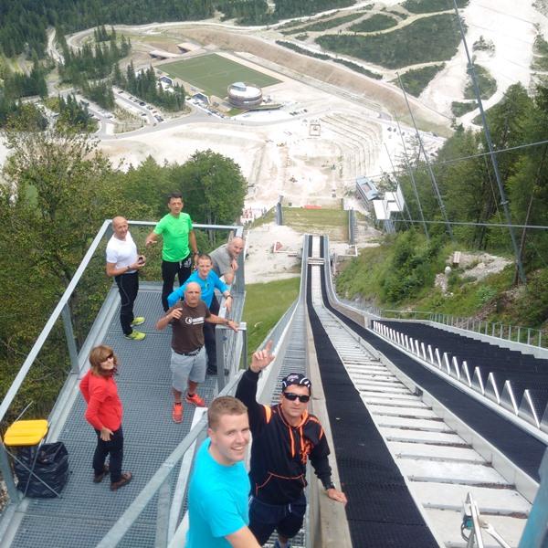 Za nazaj smo zavili še do Planice. Pogled iz vrha velikanke!